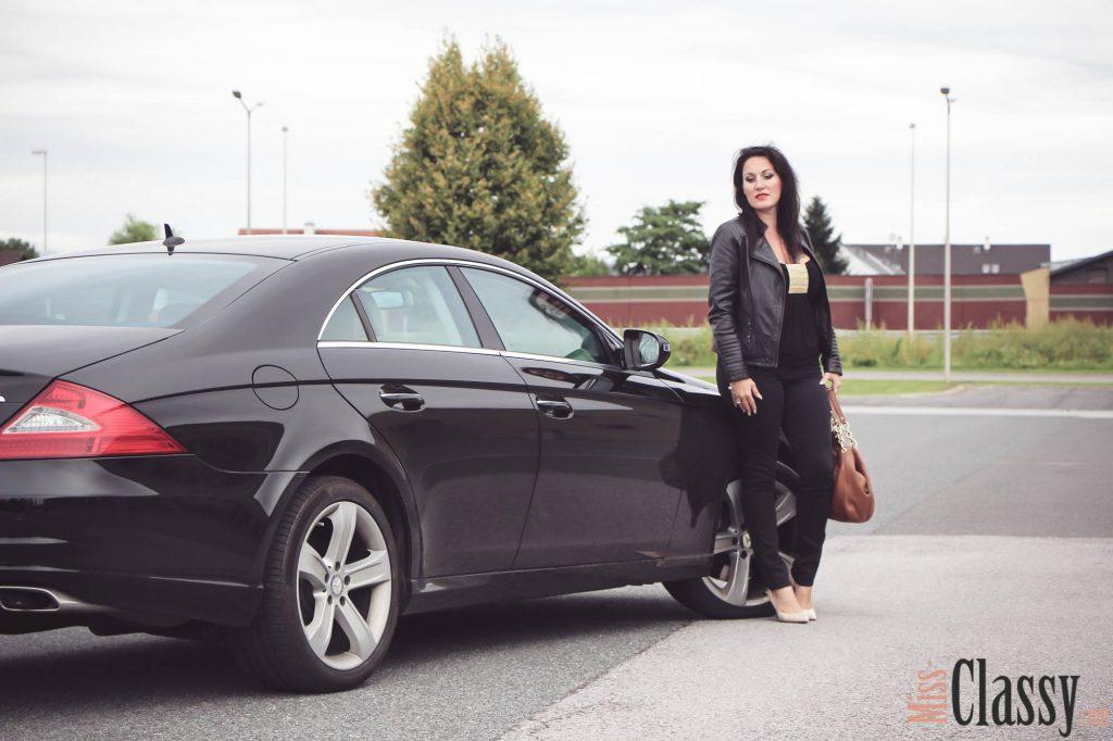 OUTFIT Lady in Black oder das Fotoshooting mit den coolen Jungs - Lederjacke - Michael Kors - Handtasche