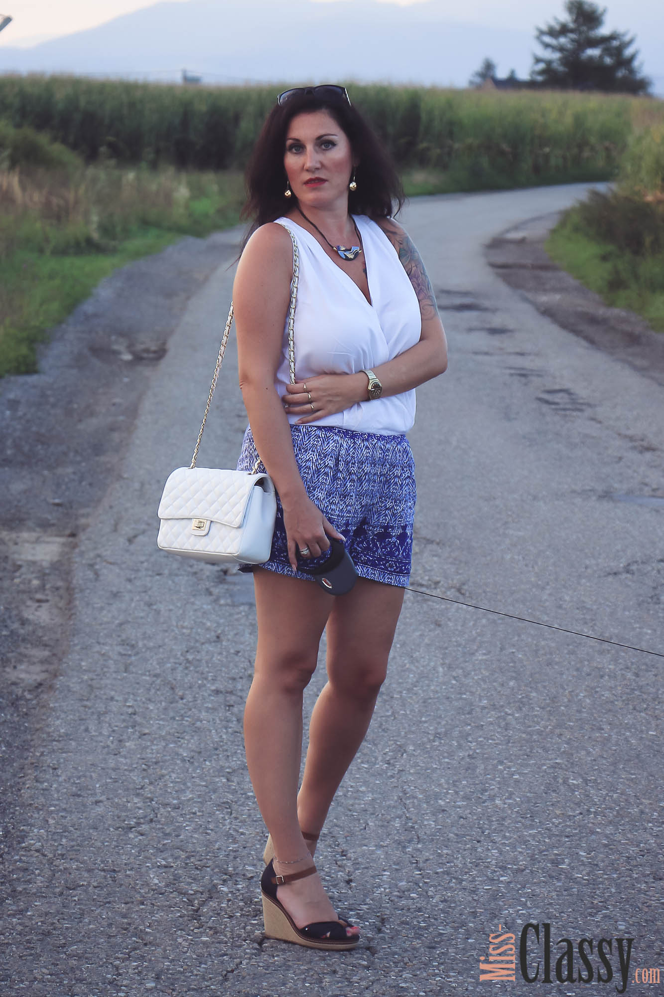 OUTFIT: Blau-weisser Jumpsuit - Romper - Wedges - Tommy Hilfiger