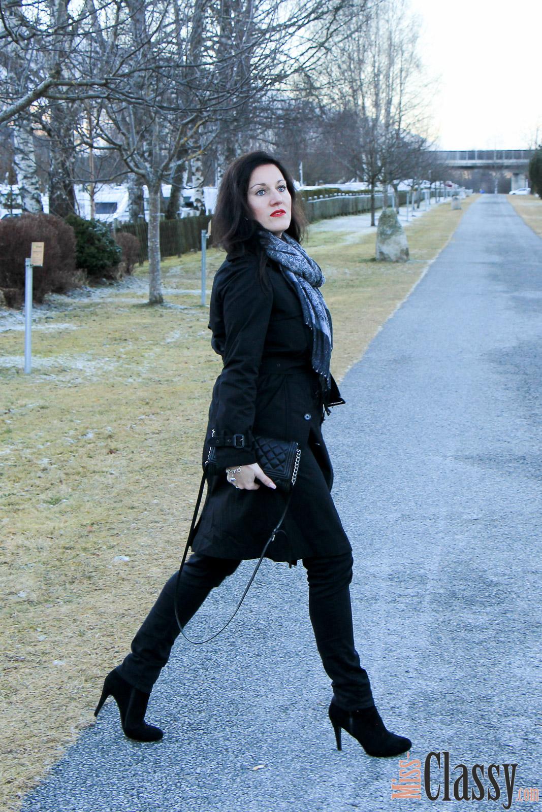 OUTFIT Schwarzer Trenchcoat von Ralph Lauren, Miss Classy, missclassy, Fashionblog, Fashionblogger, Schal, Handtasche, Michael Kors, Stiefeletten, Austria, Österreich, Graz, Bruck