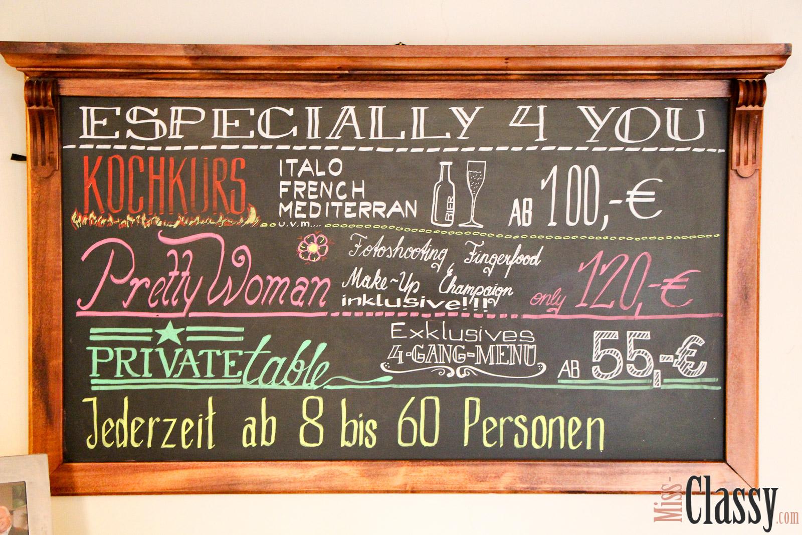 LIFESTYLE Candle Light Dinner in der Kitchen 12, Miss Classy, Doris, miss-classy, miss-classy.com. Lifestyleblog, Lifestyleblogger, Lifestyle, Lifestyleblog Graz, Graz, Steiermark, Österreich, Austria, Foodblog, Foodblogger, Blumendeko, Romantik, Candle Light Dinner, Valentinstag, Valentinstagsdinner, verliebt, Event, Eventlokal, Catering, Kochkurs, 5-Gang Menü