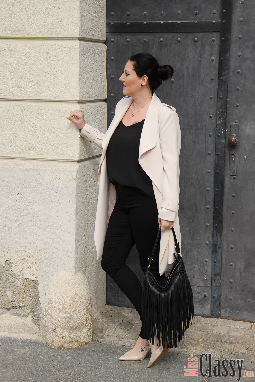 outfit beiger mantel von h m miss classy. Black Bedroom Furniture Sets. Home Design Ideas
