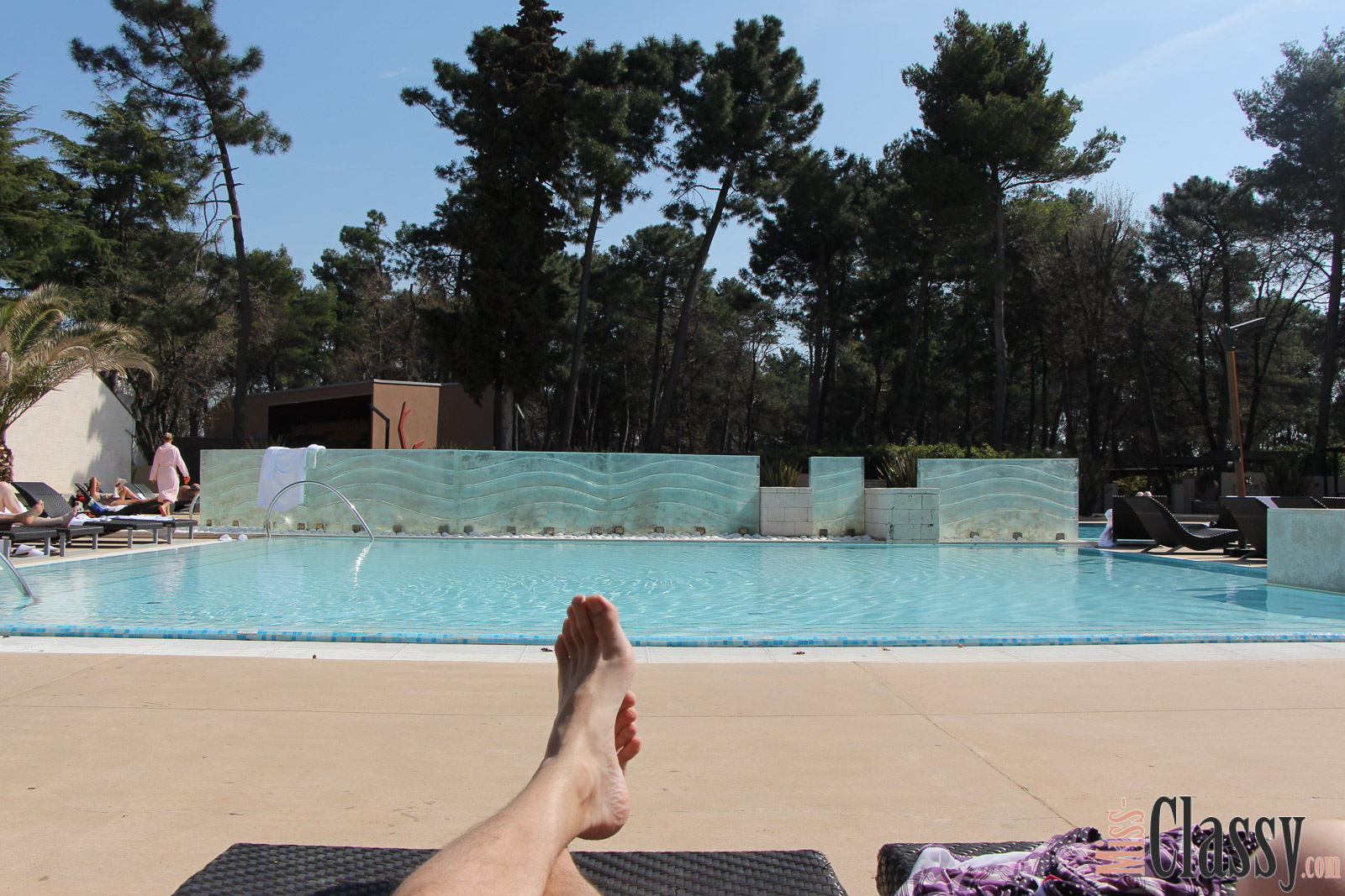 TRAVEL Melia Coral Umag, Miss Classy, miss-classy.com, Lifestyleblog, Lifestyleblogger, Lifestyleblog Graz, Travelblog, Travelblogger, Graz, Steiermark, Österreich, classy, beclassy, Reise, Travel, Wanderlust, Wayfarer, Umag, Kroatien, Istrien, Meer, Hotel, Hotelreview, 5 Sterne Hotel Umag, Wochenendtrip, Hotelpool, Sonnenliege