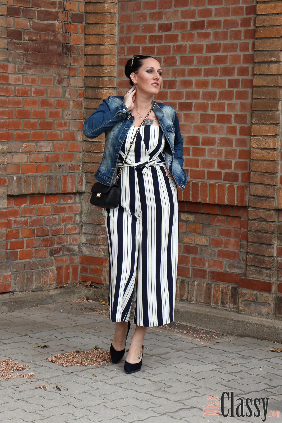 outfit jumpsuit mit bold stripes streifen sind trendy miss classy. Black Bedroom Furniture Sets. Home Design Ideas