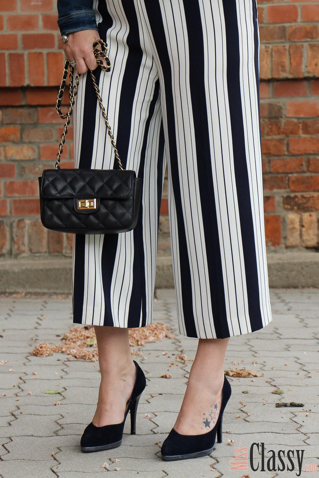 OUTFIT Jumpsuit mit Bold Stripes - Streifen sind trendy - Miss Classy