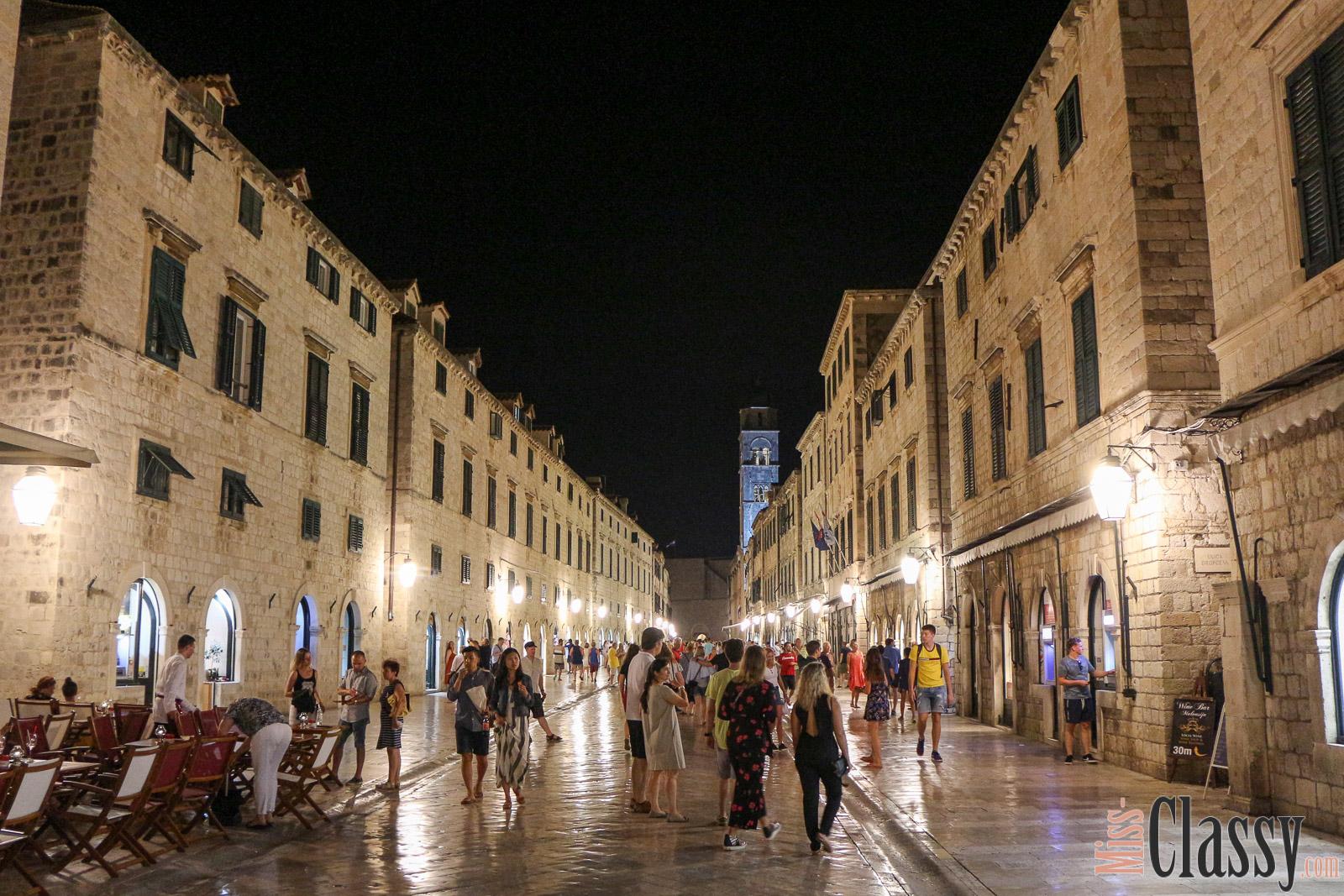 TRAVEL Dubrovnik, Miss Classy, miss-classy.com, Lifestyleblog, Lifestyleblogger, Lifestyleblog Graz, Travelblog, Travelblogger, Graz, Steiermark, Österreich, classy, beclassy, Reise, Travel, Wanderlust, Wayfarer, Kroatien, Dubrovnik, Stadtmauer, Game of Thrones, Mlini, Altstadt Dubrovnik, Hafen Dubrovnik, Dubrovnik bei Nacht