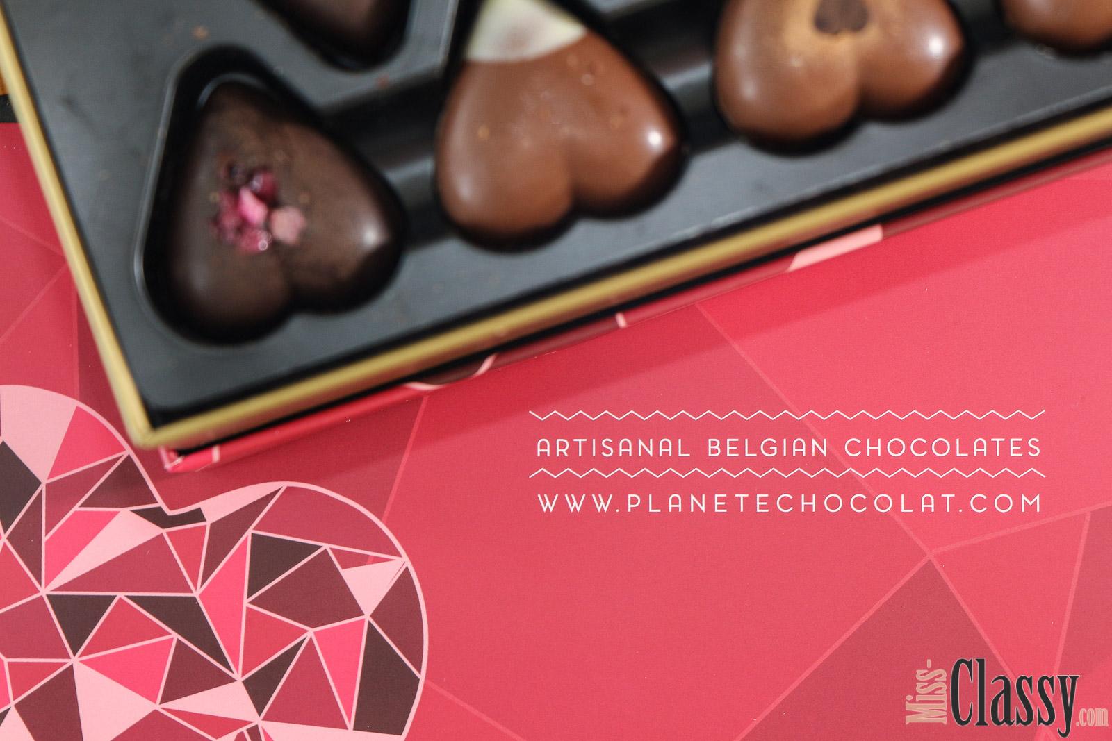 LIFESTYLE Luxuriöse Herzpralinen - eine süße Überraschung aus Belgien von Planète Chocolat, Miss Classy, miss-classy.com, Lifestyleblog, Lifestyleblogger, Lifestyleblog Graz, Graz, Steiermark, Österreich, classy, beclassy, Schokolade, Belgische Pralinen, Herz, Sweets, handgefertigte belgische Pralinen, Hochwertige belgische Schokolade, 100% reine Kakaobutter, genfreie Zutaten, ohne Konservierungs- oder Farbstoffe, luxuriöse Box speziell für Verliebte, luxuriöse Herzpralinen