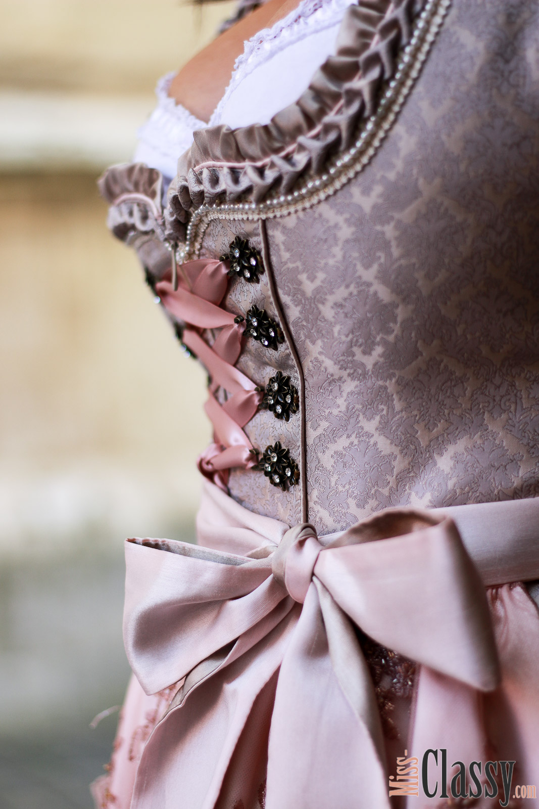 OUTFIT Aufsteirern 2017 - Mein neues Dirndl von Krüger, Miss Classy, Fashion Blog, Lifestyle Blog, Graz, Österreich, classy, Dirndl, Tracht, Trachtenmode, Alpenclassics, Krüger Madl, Aufsteirern, Aufgsteirert