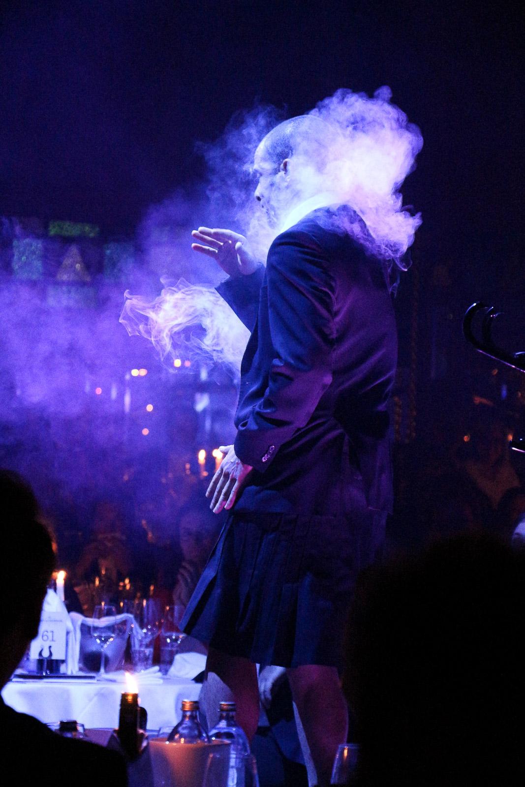 """LIFESTYLE: Eckart Witzigmann Palazzo Graz - Die neue Dinnershow """"Unikate"""", Miss Classy, Lifestyle Blog Graz, Graz, Steiermark, Österreich, classy, beclassy, Palazzo Graz, Eckart Witzigmann, Dinnershow, Cabaret, Zirkus, Artisten, Spiegelpalast, MCG, Grazer Messe, Show, Unterhaltung"""