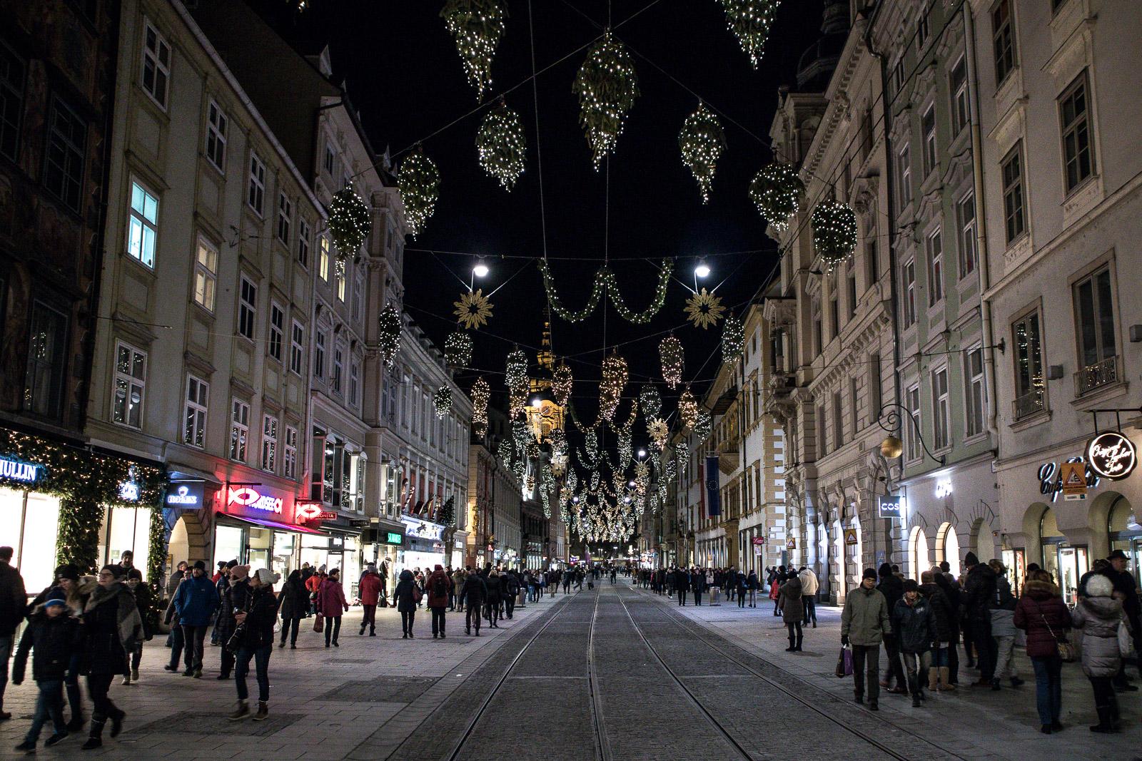 LIFESTYLE Adventszeit in Graz - Weihnachtsmärkte, Miss Classy, Lifestyle Blog Graz, classy, Christkindlmarkt, Weihnachtsmarkt, Graz, Glühwein, Punsch, Advent in Graz, Herrengasse