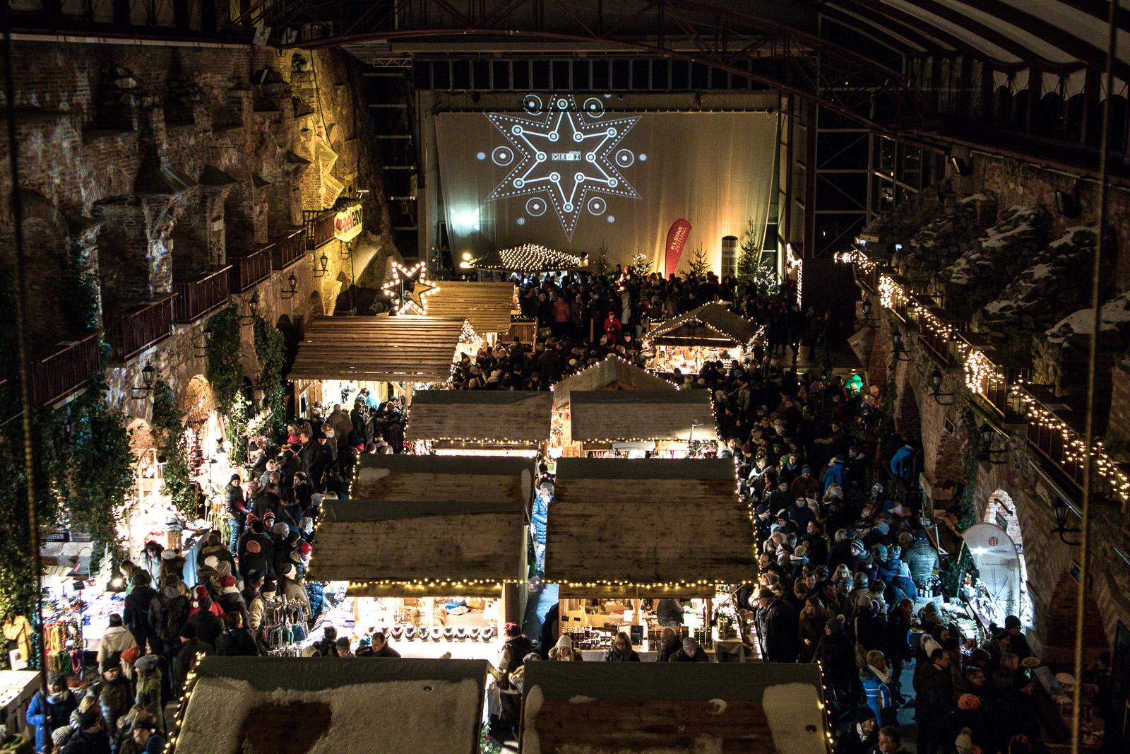 LIFESTYLE Adventszeit in Graz - Weihnachtsmärkte, Miss Classy, Lifestyle Blog Graz, classy, Christkindlmarkt, Weihnachtsmarkt, Graz, Glühwein, Punsch, Advent in Graz, Weihnachtsmarkt am Schlossberg, Kasematten