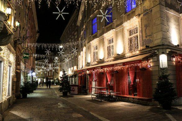 LIFESTYLE Adventszeit in Graz - Weihnachtsmärkte, Miss Classy, Lifestyle Blog Graz, classy, Christkindlmarkt, Weihnachtsmarkt, Graz, Glühwein, Punsch, Advent in Graz, Krippenweg