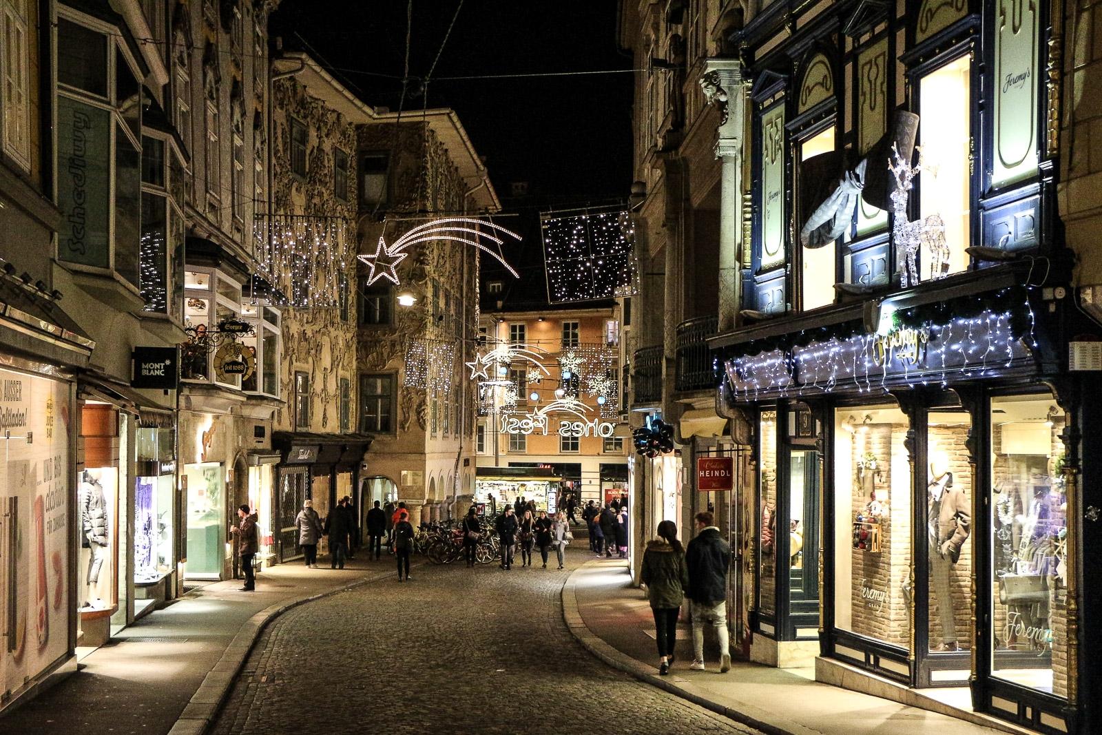 LIFESTYLE Adventszeit in Graz - Weihnachtsmärkte, Miss Classy, Lifestyle Blog Graz, classy, Christkindlmarkt, Weihnachtsmarkt, Graz, Glühwein, Punsch, Advent in Graz, Sporgasse