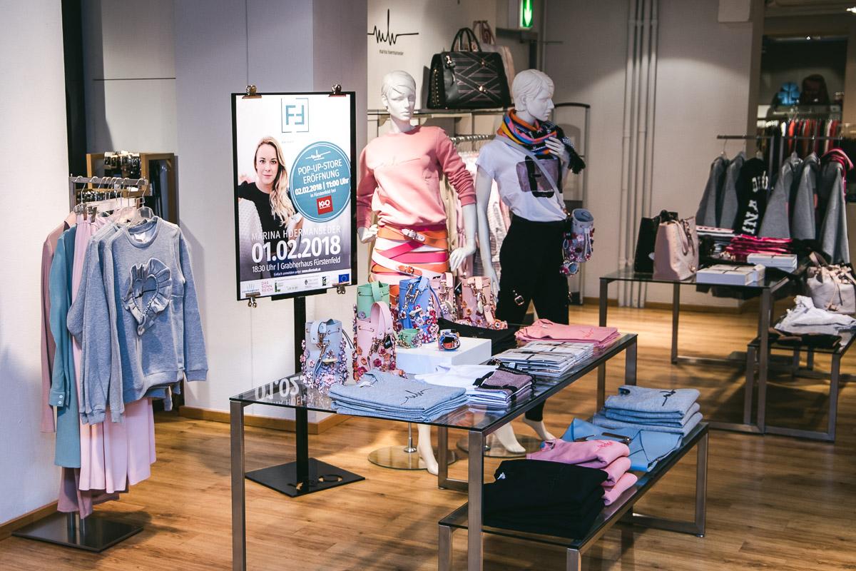 Marina Hoermanseder - Von der Berliner Fashionweek nach Fürstenfeld, Team MH, Modedesignerin, Fashion Blog, Mode Blog, Blogger Graz, Fashion Blog Graz, Miss Classy, Marina-Hoermanseder-Uniform, Lederstriemen-Röcke, Lederkorsetts, Lederschnallen