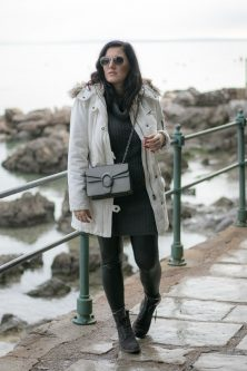 Weißen Parka kombinieren - Mein Winter Outfit mit Lederleggings und Marc O'Polo Boots, Outfit weißer Parka, Lederleggings kombinieren, Lederleggings im Winter tragen, Fashion Blog, Mode Blog, Blogger Graz, Fashion Blog Graz, Miss Classy, Handtasche von SassyClassy