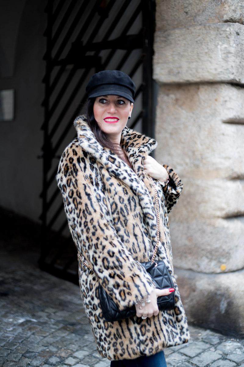 Leo Mantel aus Faux Fur, Baker Boy, Michael Kors Handtasche, Fashion Blog, Mode Blog, Blogger Graz, Fashion Blog Graz, Miss Classy