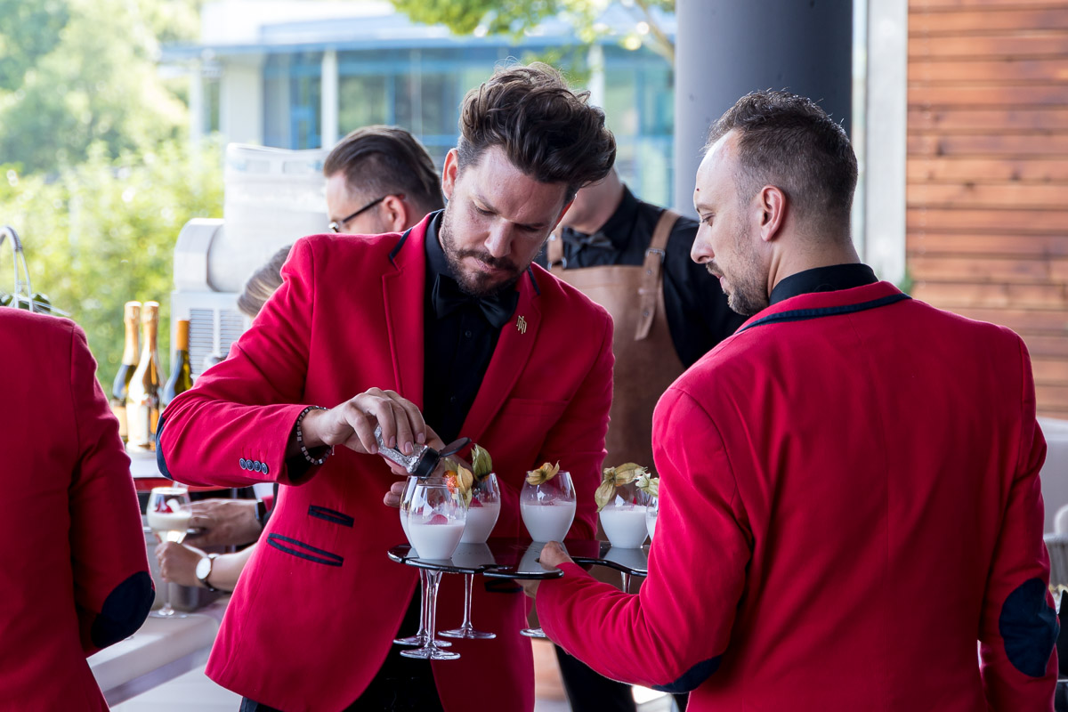 Cocktail World Champion Mario Hofferer präsentiert die neue Cocktailkarte im Hotel Das Sonnreich, Cocktail, Cocktailkarte, DAS Sonnreich, Therme Loipersdorf, Mario Hofferer, Sunny Bar, Blogger Graz, Blog Graz, Miss Classy