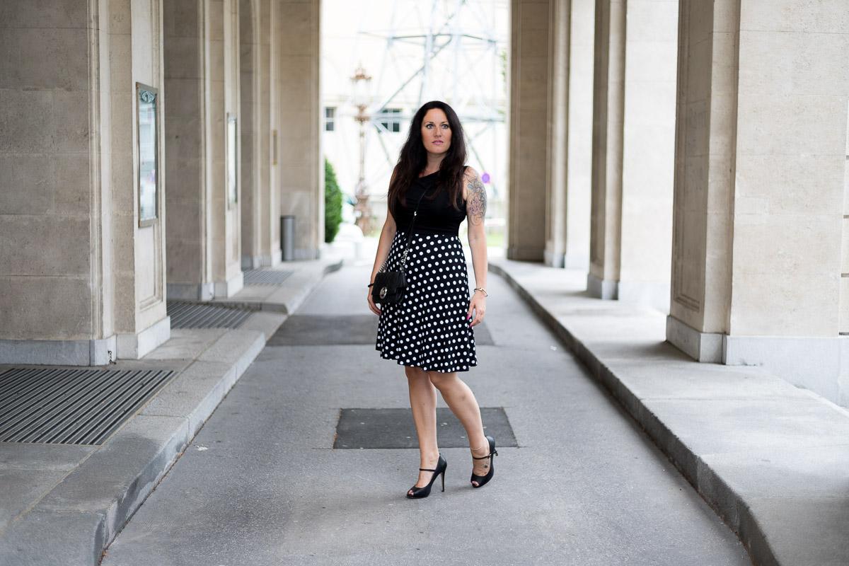 Sommerkleid mit Polka Dots, Sommertrend, Sommerkleid von Albamoda, Michael Kors, Clutch, Fashionblog, Modeblog, Blogger Graz, Fashion Blog Graz, Miss Classy