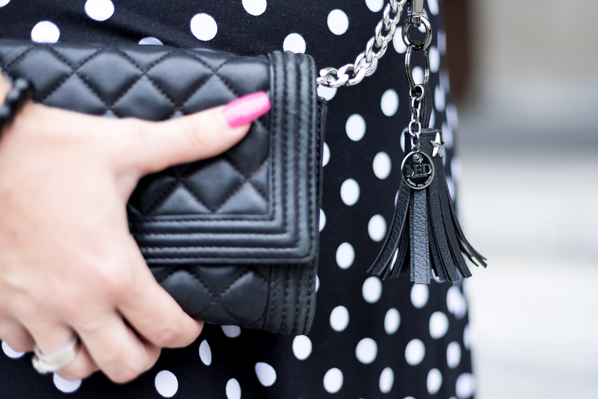 Sommerkleid mit Polka Dots, Sommertrend, Sommerkleid von Albamoda, Michael Kors, Clutch, Fashionblog, Modeblog, Blogger Graz, Fashion Blog Graz, Miss Classy