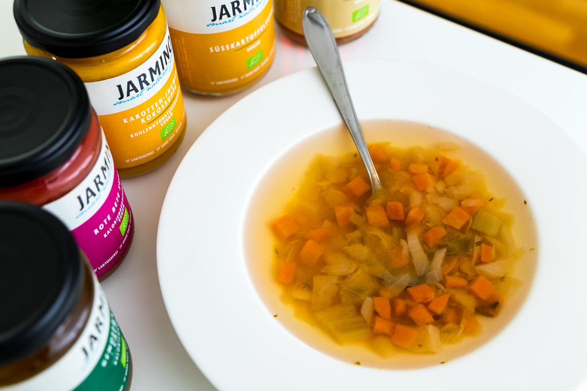 Soup Detox von Jarmino, Die Lieferei, Rote Bete Suppe, Süßkartoffelsuppe, Gemüsebrühe, Linseneintopf, Basen Gemüsesuppe, Karotten-Ingwer-Kokossuppe, Healthy Lifestyle, Food Blog, Lifestyle Blog, Blogger Graz, Blog Graz, Miss Classy