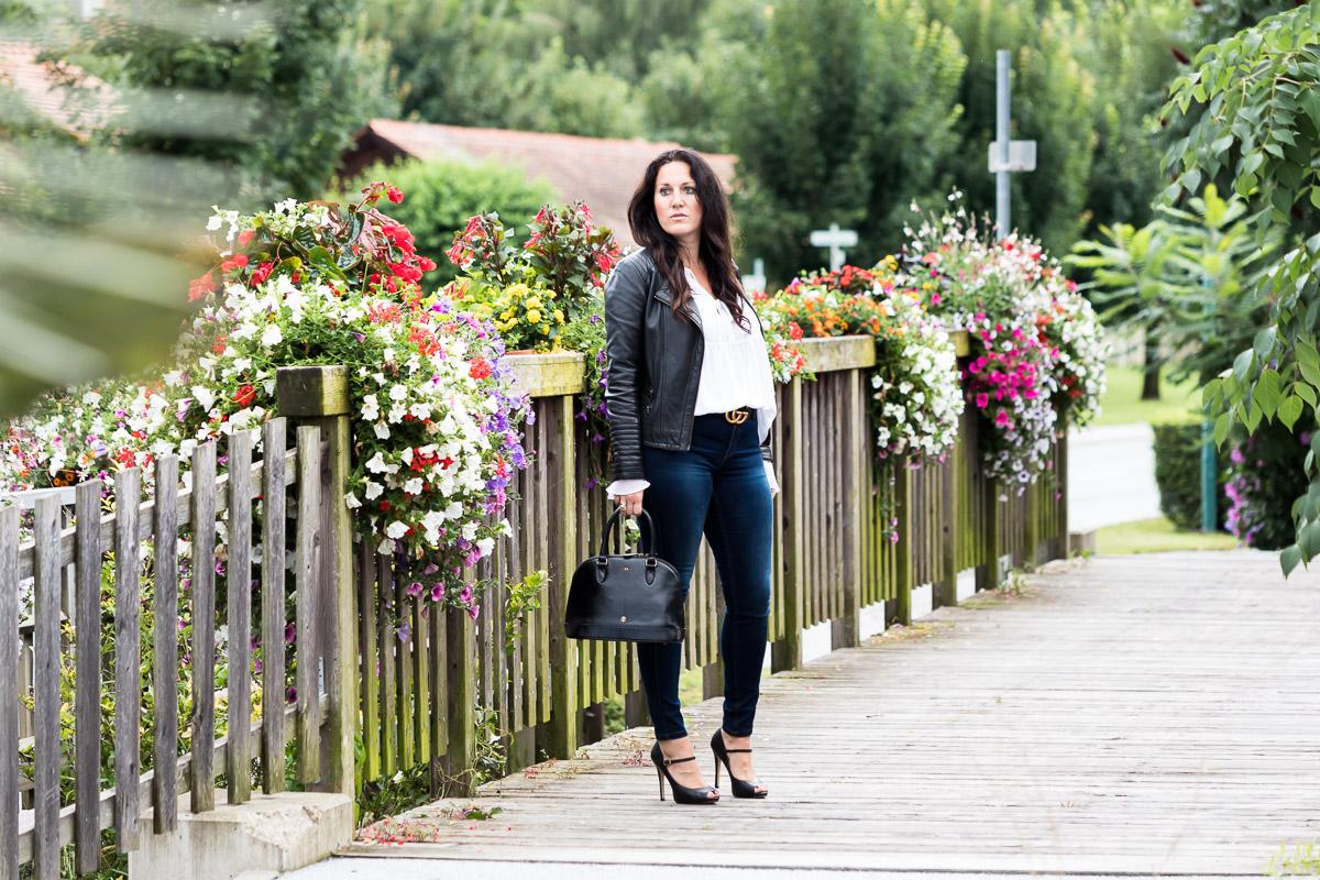 Rosa, meine neue Luxus Handtasche von Maxwell-Scott, Lederhandtasche, Bluse von Guess, Gucci Gürtel, High Heels, Peep Toes von Buffalo, Fashionblog, Modeblog, Blogger Graz, Fashion Blog Graz, Miss Classy