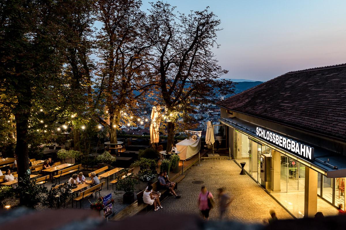 Biergarten Schlossberg, Über den Dächern von Graz - Lokale mit den schönsten Ausblicken über die Genusshauptstadt, Miss Classy, Lifestyle Blog Graz, Graz, Steiermark