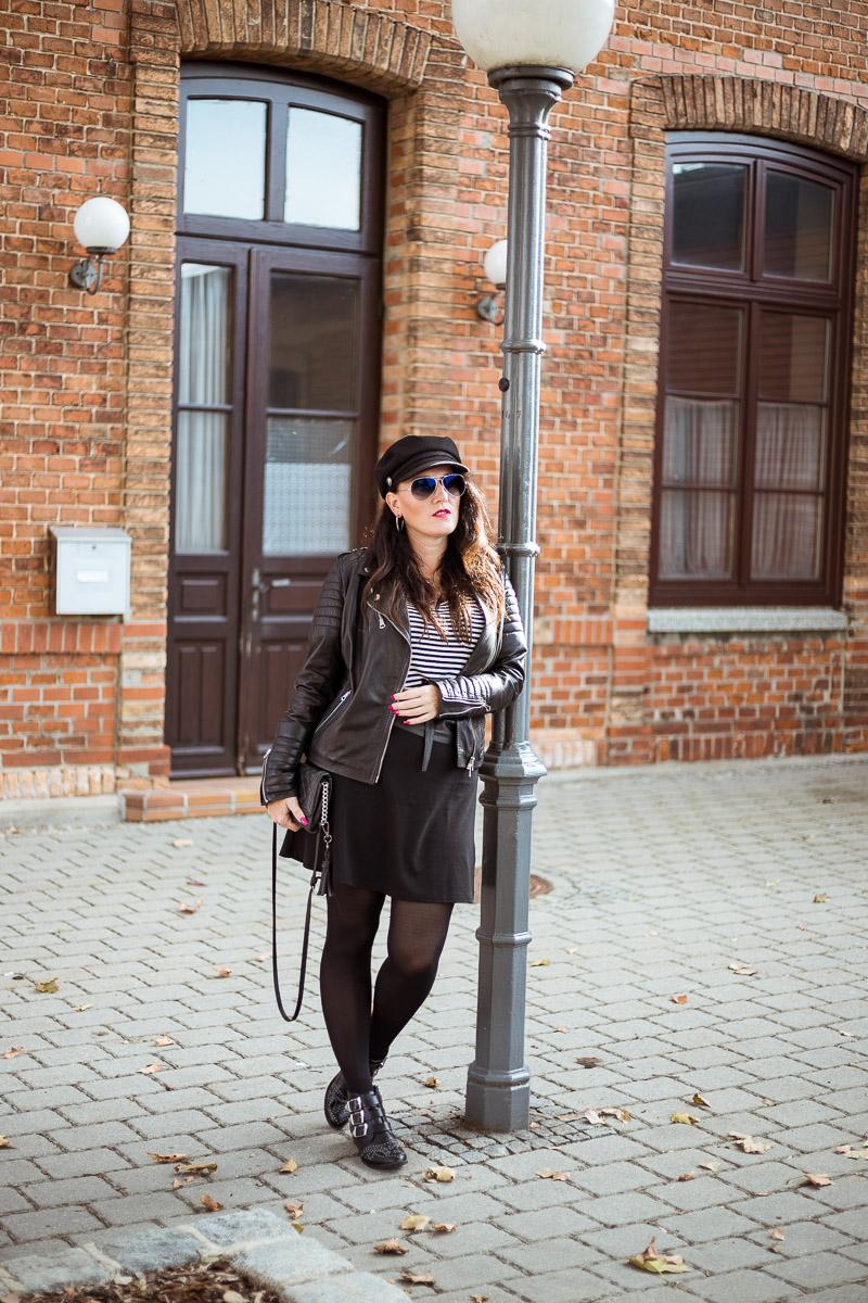 Herbstlook mit Lederjacke, Streifenshirt und Nietenboots, italienische Lederjacke, Clutch von Michael Kors, Nietenboots von Tom Tailor, Baker Boy Hat, Sonnenbrille von Ray Ban, Fashionblog, Modeblog, Blog Graz, Fashion Blog Graz, Miss Classy