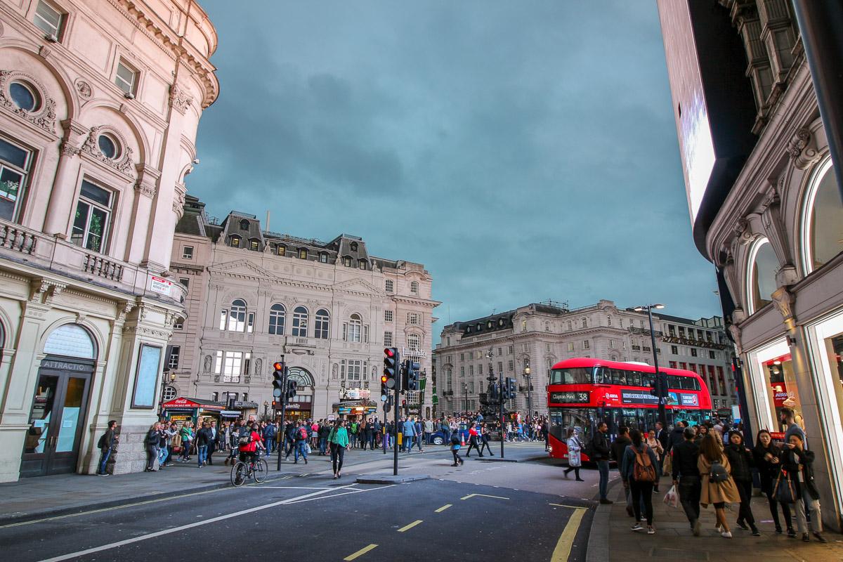 Picadilly Circus, London - Kurztrip in die britische Metropole, Reiseblog, Travelblog, Reise, Reisetagebuch, Miss Classy