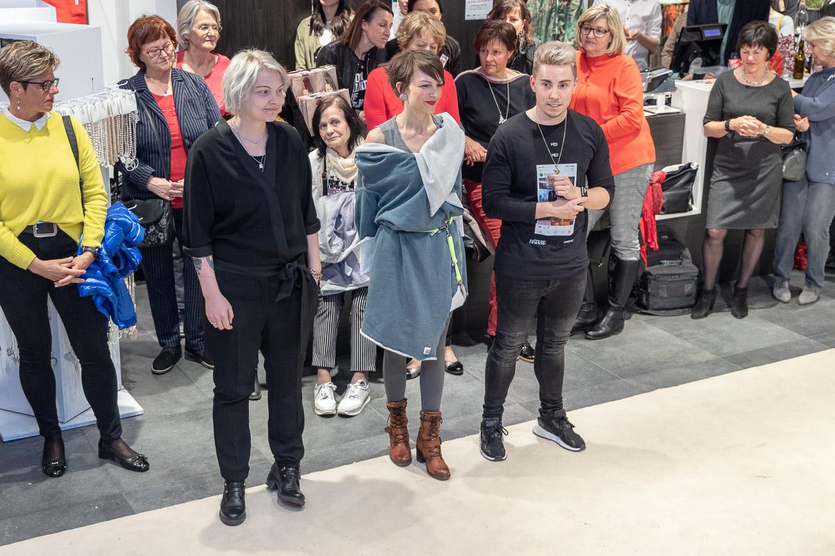 """Die Finalisten für den Fashion-Award Manuel Essl mit """"Manuel Essl Design"""", Petra Gangl mit """"LOTalife"""" und Magdalena Brunner mit """"PLURAL"""" auf der Fashion Week Fürstenfeld"""