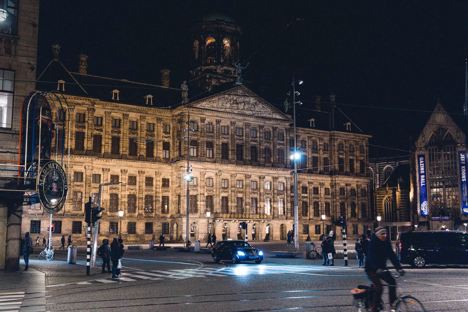 Amsterdam Reiseblog - De Dam, Königlicher Palast bei Nacht