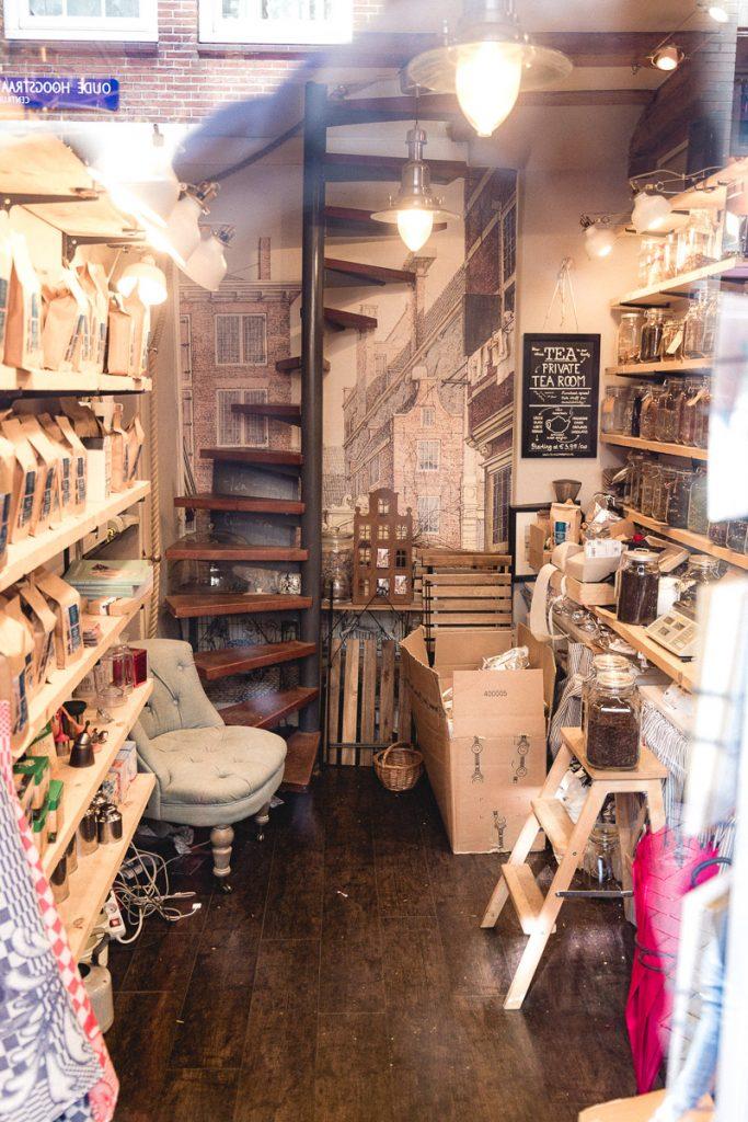 Amsterdam Reiseblog - Das kleinste Haus in Amsterdam, Uude Hoogstraat
