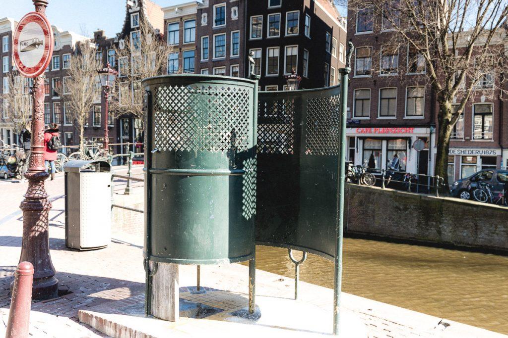 Amsterdam Reiseblog - De Wallen, Rotlichtviertel, öffentliche Toilette