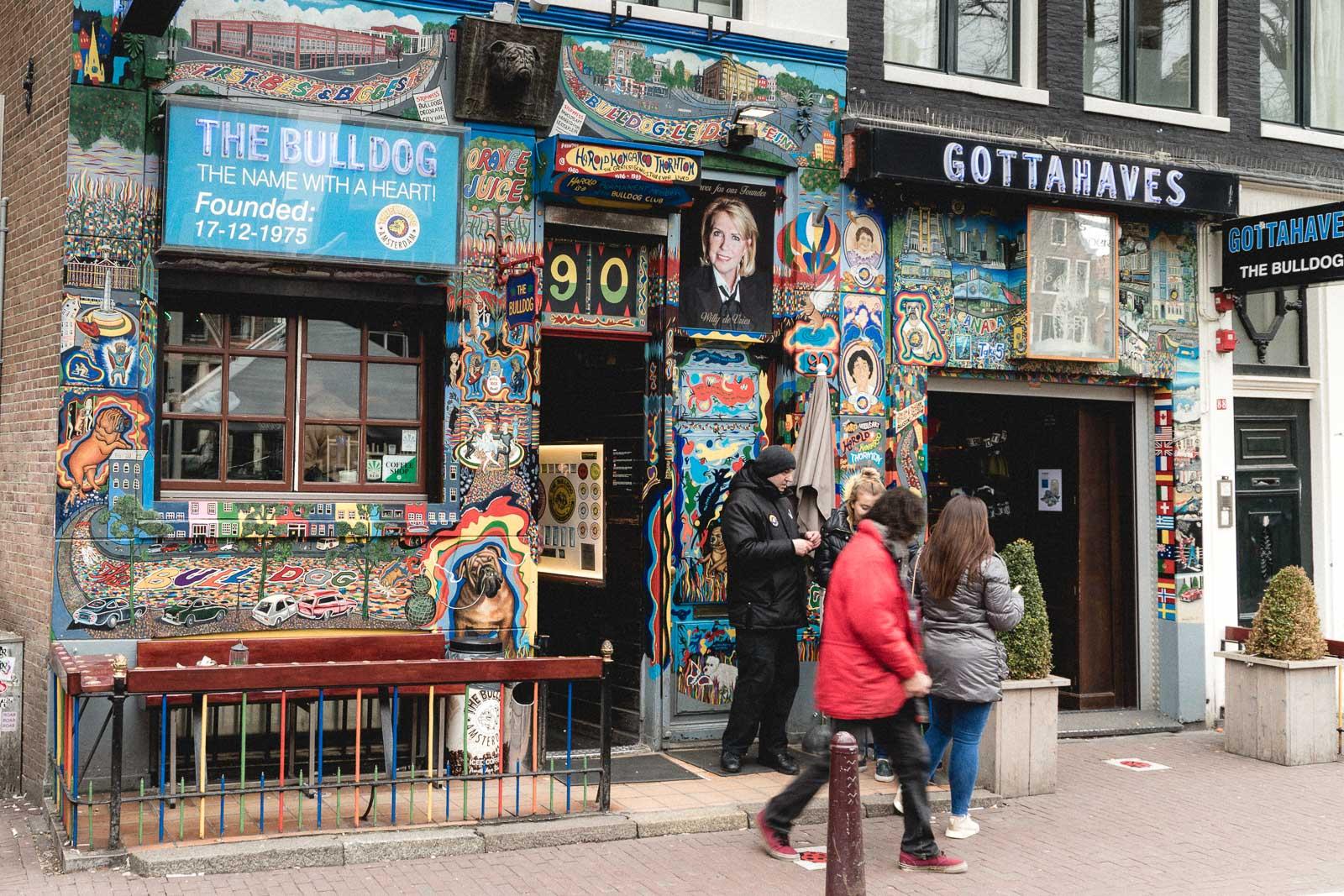 Amsterdam Reiseblog - De Wallen, Coffeeshop Bulldog