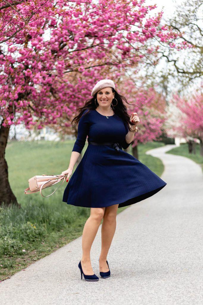 Blaues Plisseekleid von Number One Graz - italienische Mode kaufen in Graz // Graz Blog, www.miss-classy.com #numberone #italienischemode #graz #fashion #italien #modeparadies