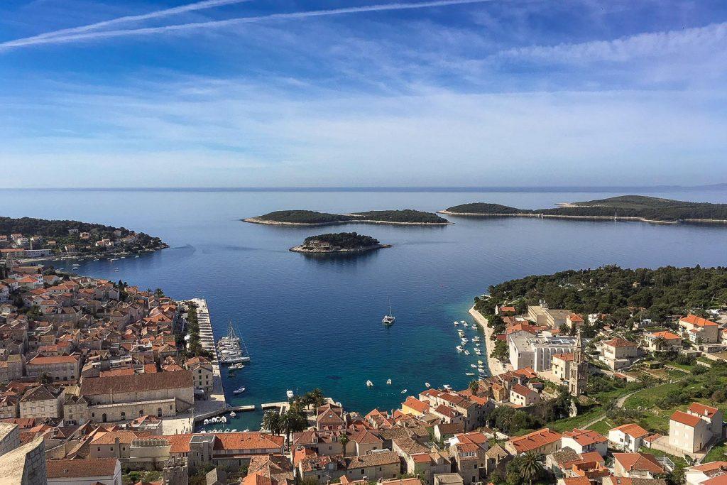 Hvar, Insel Hvar - Kroatien // Kroatien - die schönsten Reisziele und Urlaubsorte im Land der 1000 Inseln, Highlights & Tipps, Kroatien-Trip, Kroatien Blog, www.miss-classy.com #kroatien #reise #reiseblog #hvar