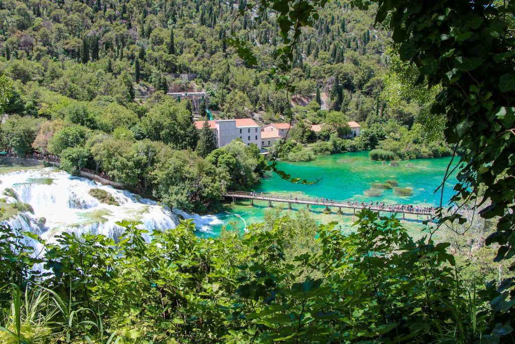 Nationalpark Krka, Wasserfälle - Kroatien // Kroatien - die schönsten Reisziele und Urlaubsorte im Land der 1000 Inseln, Highlights & Tipps, Kroatien-Trip, Kroatien Blog, www.miss-classy.com #kroatien #reise #reiseblog #krka