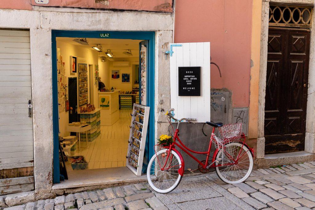 Rovinj - Kroatien // Kroatien - die schönsten Reisziele und Urlaubsorte im Land der 1000 Inseln, Highlights & Tipps, Kroatien-Trip, Kroatien Blog, www.miss-classy.com #kroatien #reise #reiseblog #rovinj
