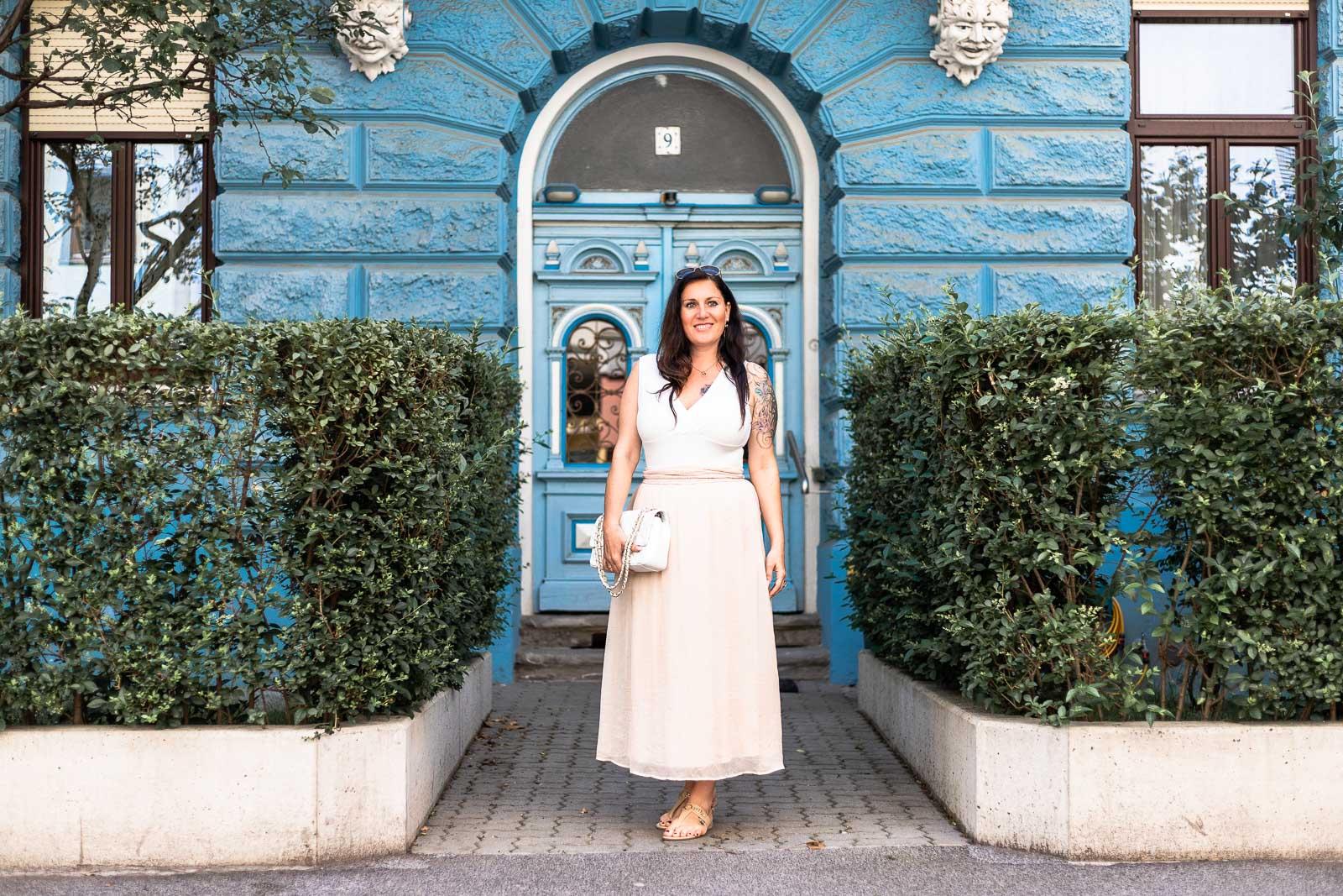 online store f6239 ebf28 Sommer-Outfit mit rosa Maxirock und weißem Body - Miss Classy