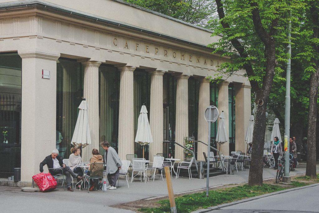 Cafe Promenade - Aiola, Kaffee trinken in Graz - Das sind die besten Cafés & Coffee Shops // Cafés in Graz, Kaffee trinken, Graz Blog, www.miss-classy.com #cafe #kaffee #graz