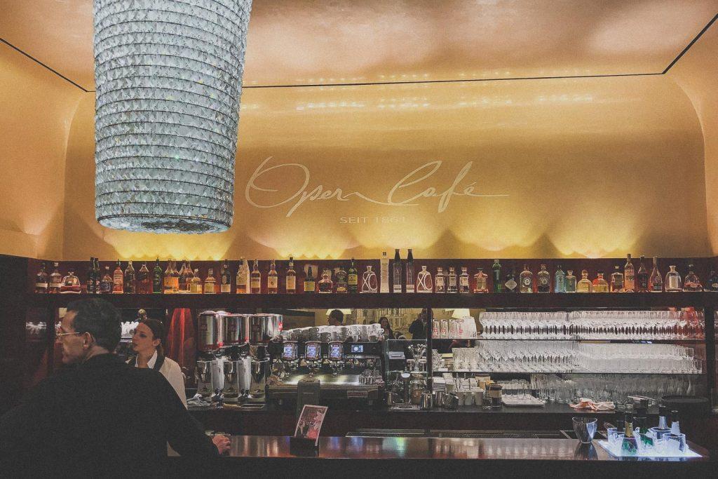 Opern Café, Kaffee trinken in Graz - Das sind die besten Cafés & Coffee Shops // Cafés in Graz, Kaffee trinken, Graz Blog, www.miss-classy.com #cafe #kaffee #graz