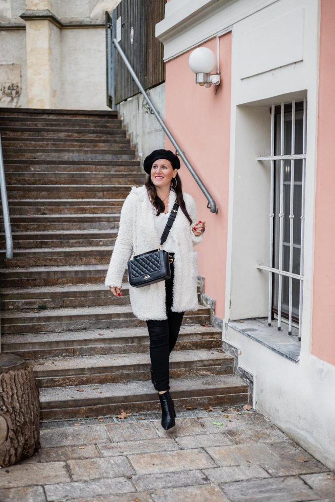 Teddy Coat - kuschelige Teddyfell Jacke für den Winter, Teddyfell Jacke, Teddyfell Mantel // Fashion Blogger, Modeblog, Miss Classy, Graz, www.miss-classy.com #teddyfell #teddycoat #streetstyle #fashionblogger #modetrends #missclassy