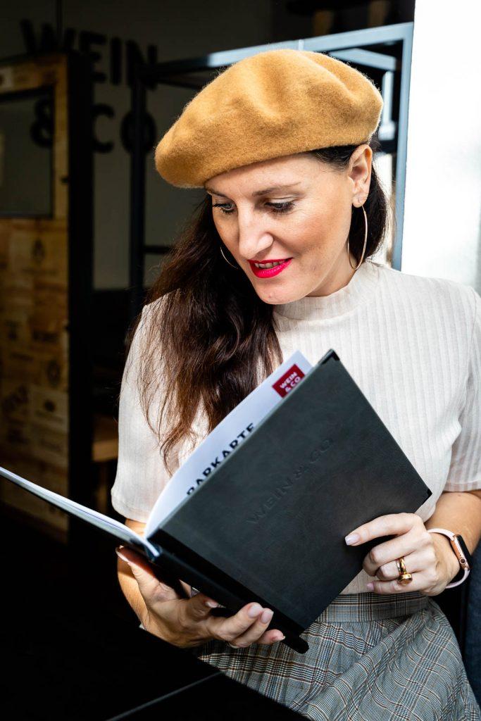 Miss Classy, Doris im Weinbistro